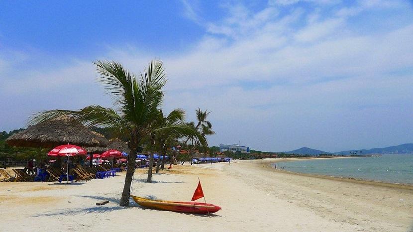 Bãi tắm khu du lịch đảo Tuần Châu