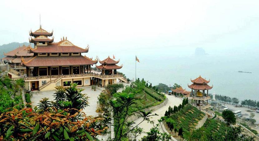 Núi Yên Tử- di tích lịch sử ở Hạ Long