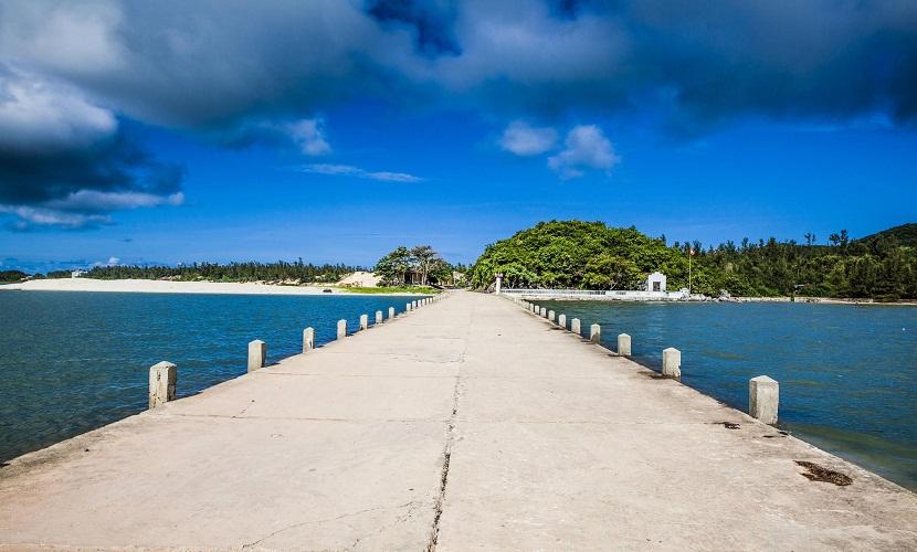 Vẻ đẹp con đường vào đảo Quan Lạn