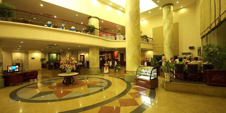 Khung cảnh sang trọng bên trong khách sạn Mithrin Hạ Long
