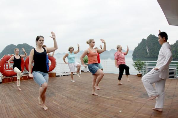 Tập thể dục dưỡng sinh buổi sáng