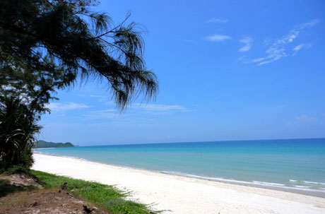 Ngắm vẻ đẹp hoang sơ của bãi biển Sơn Hào