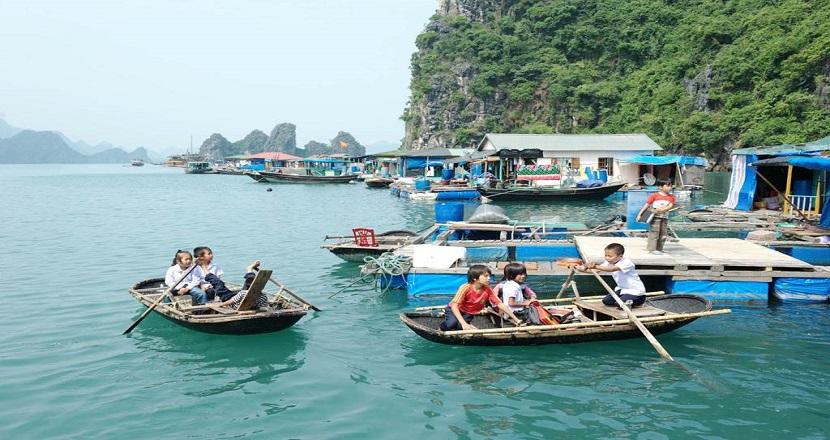 Cuộc sống bình dị tại làng chài Ba Hang trên vịnh Hạ Long