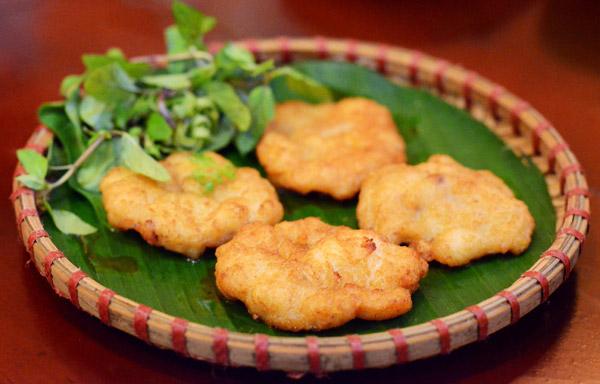 Chả mực Hạ Long - món ăn khoái khẩu được nhiều du khách yêu thích