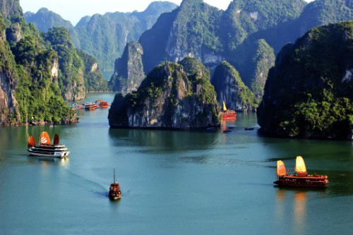Vẻ đẹp thiên nhiên kỳ vĩ của vịnh Hạ Long