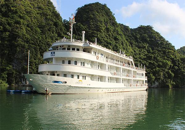 du lịch hạ long chiêm ngưỡng du thuyền triệu đô