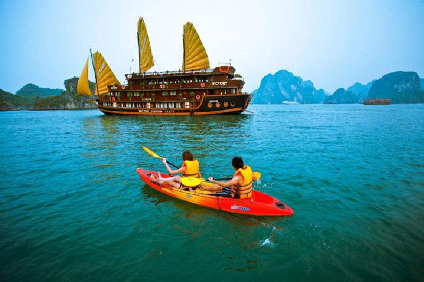 Trải nghiệm chèo thuyền kayak trên
