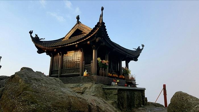 Khung cảnh linh thiêng trên chùa Đồng
